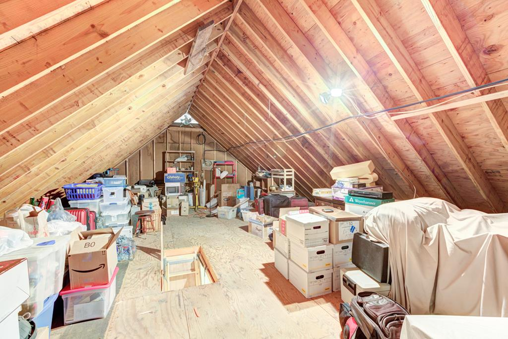 Attic space w/flooring gives you ample storage